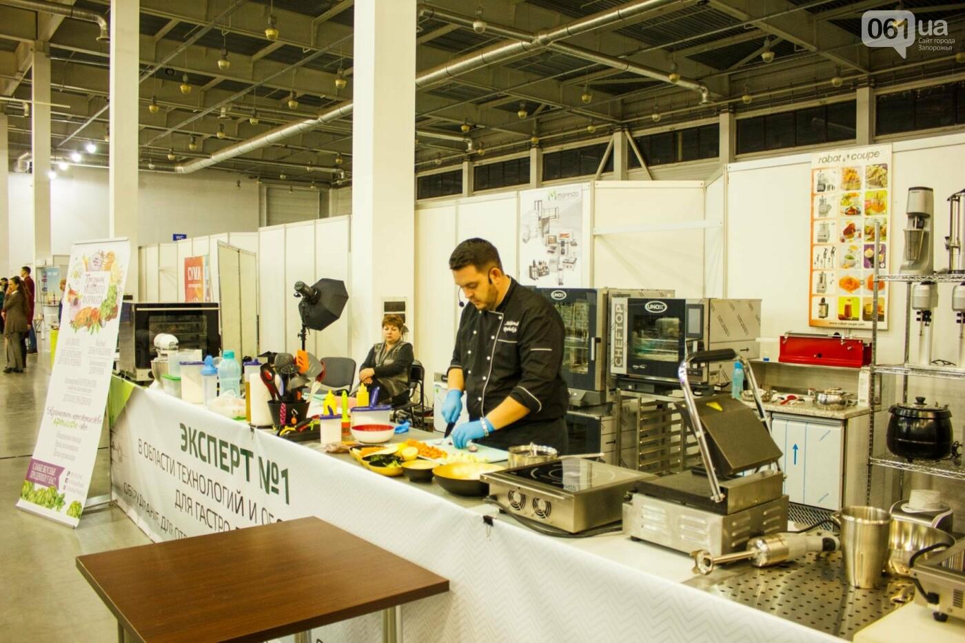 Шеф-повара запорожских ресторанов провели мастер-класс для горожан: как это было, - ФОТОРЕПОРТАЖ, фото-68