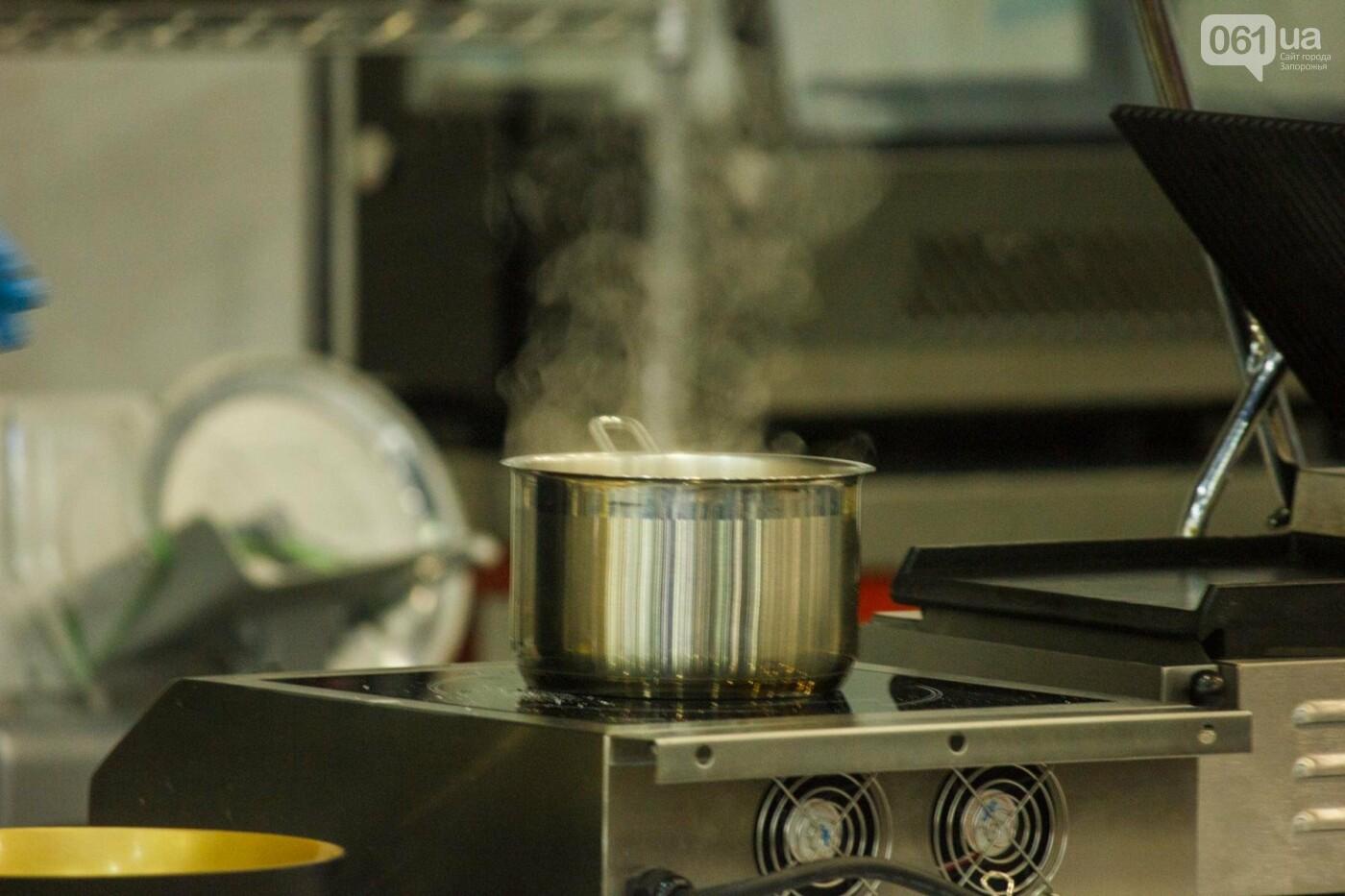 Шеф-повара запорожских ресторанов провели мастер-класс для горожан: как это было, - ФОТОРЕПОРТАЖ, фото-37