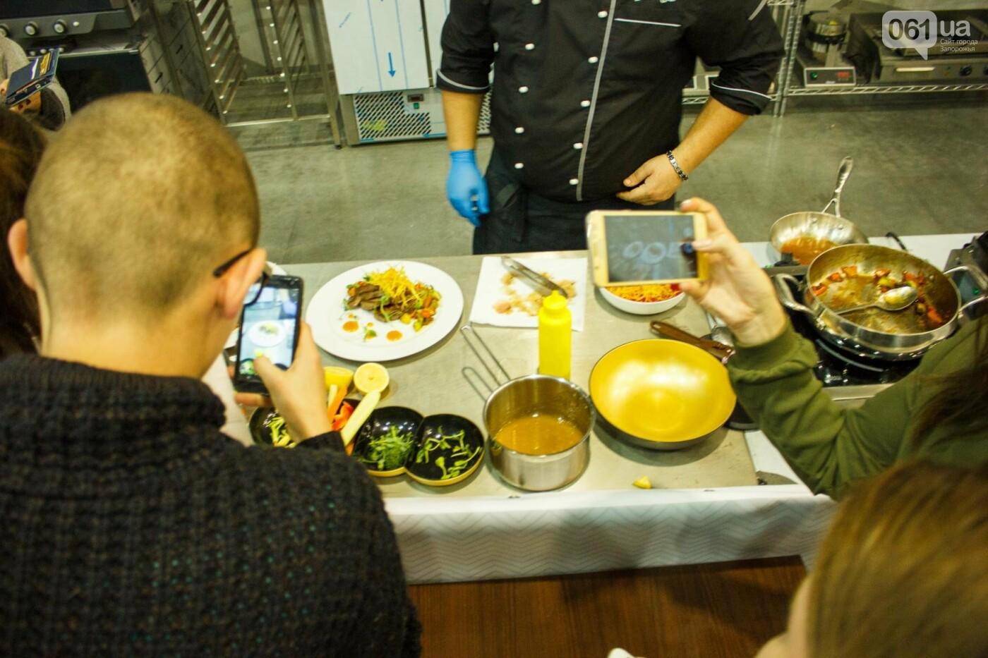 Шеф-повара запорожских ресторанов провели мастер-класс для горожан: как это было, - ФОТОРЕПОРТАЖ, фото-57