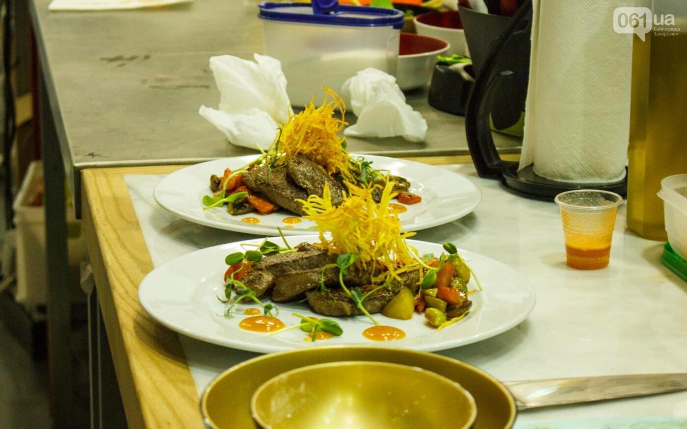 Шеф-повара запорожских ресторанов провели мастер-класс для горожан: как это было, - ФОТОРЕПОРТАЖ, фото-69