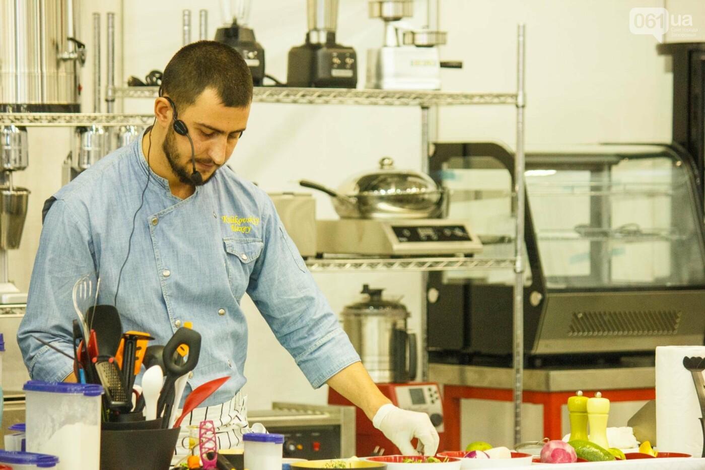 Шеф-повара запорожских ресторанов провели мастер-класс для горожан: как это было, - ФОТОРЕПОРТАЖ, фото-60