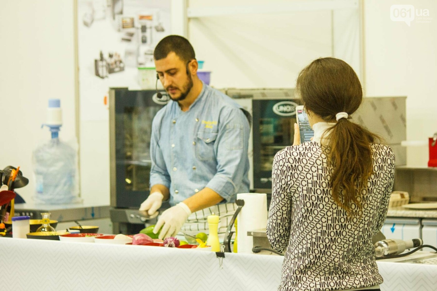 Шеф-повара запорожских ресторанов провели мастер-класс для горожан: как это было, - ФОТОРЕПОРТАЖ, фото-33