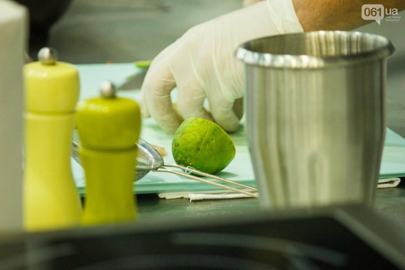 Шеф-повара запорожских ресторанов провели мастер-класс для горожан: как это было, - ФОТОРЕПОРТАЖ, фото-31