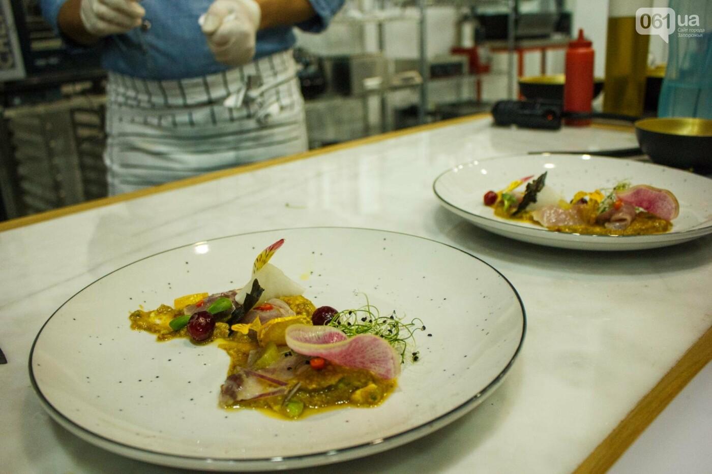 Шеф-повара запорожских ресторанов провели мастер-класс для горожан: как это было, - ФОТОРЕПОРТАЖ, фото-38