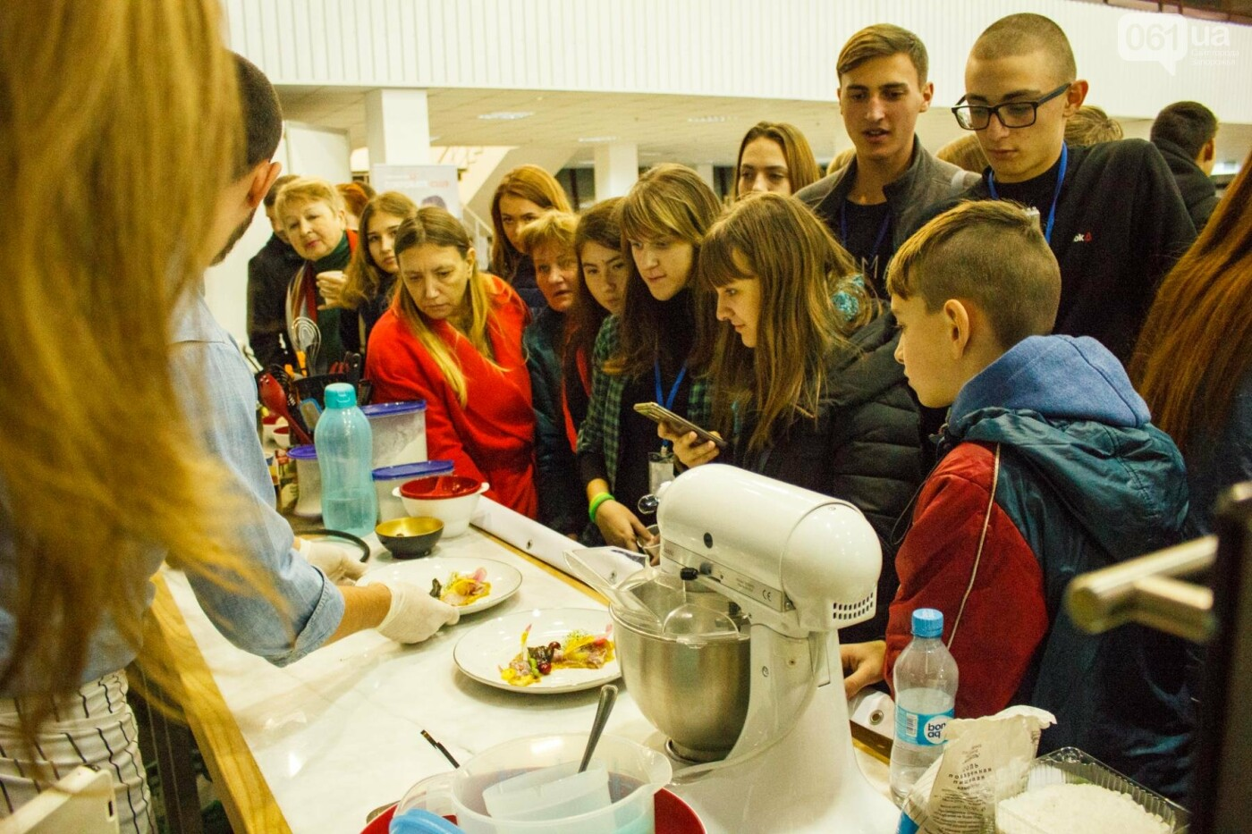 Шеф-повара запорожских ресторанов провели мастер-класс для горожан: как это было, - ФОТОРЕПОРТАЖ, фото-79