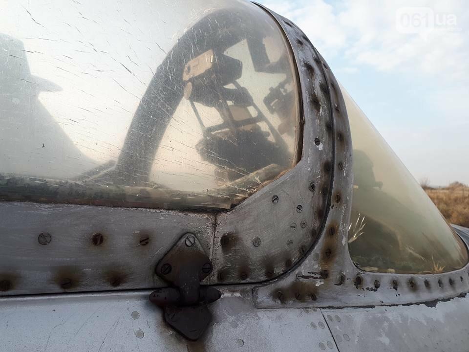 Разбитые самолеты и трава по колено: как сейчас выглядит аэродром в Широком, - ФОТО , фото-16