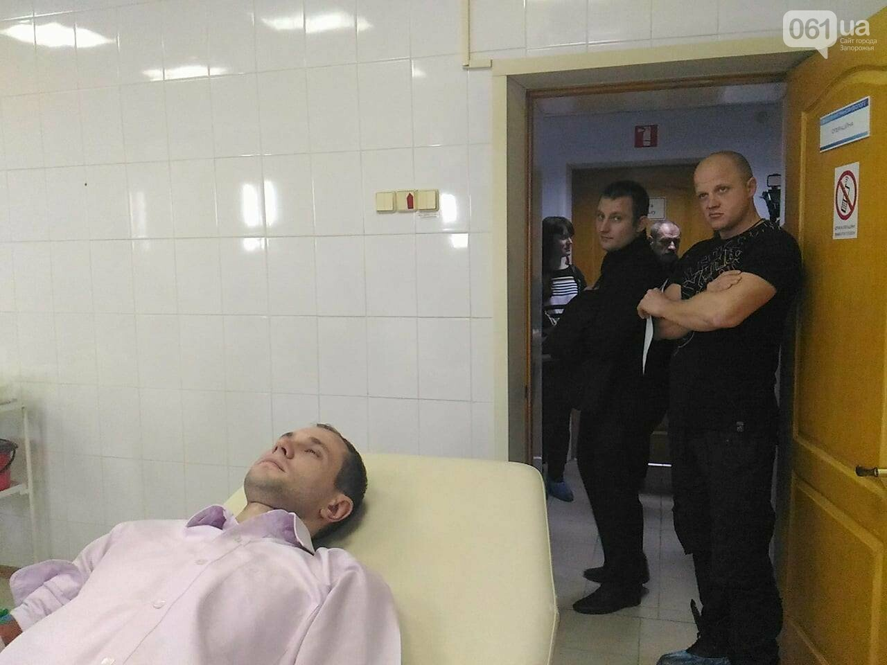 В Запорожье полицейские и спасатели массово сдают кровь: один из доноров - в 147-й раз, - ФОТОРЕПОРТАЖ, фото-3