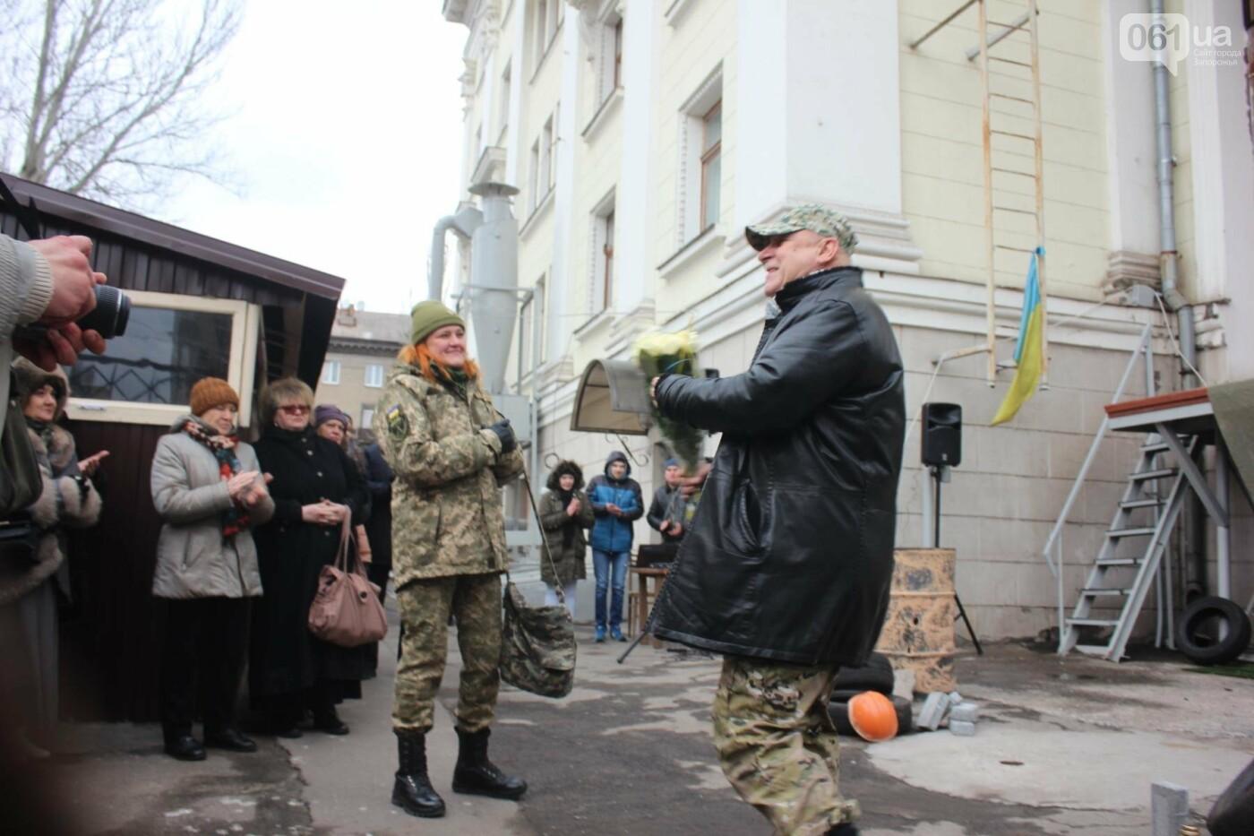 В Запорожье актеры на улице читали стихи о Майдане, - ФОТОРЕПОРТАЖ, фото-3