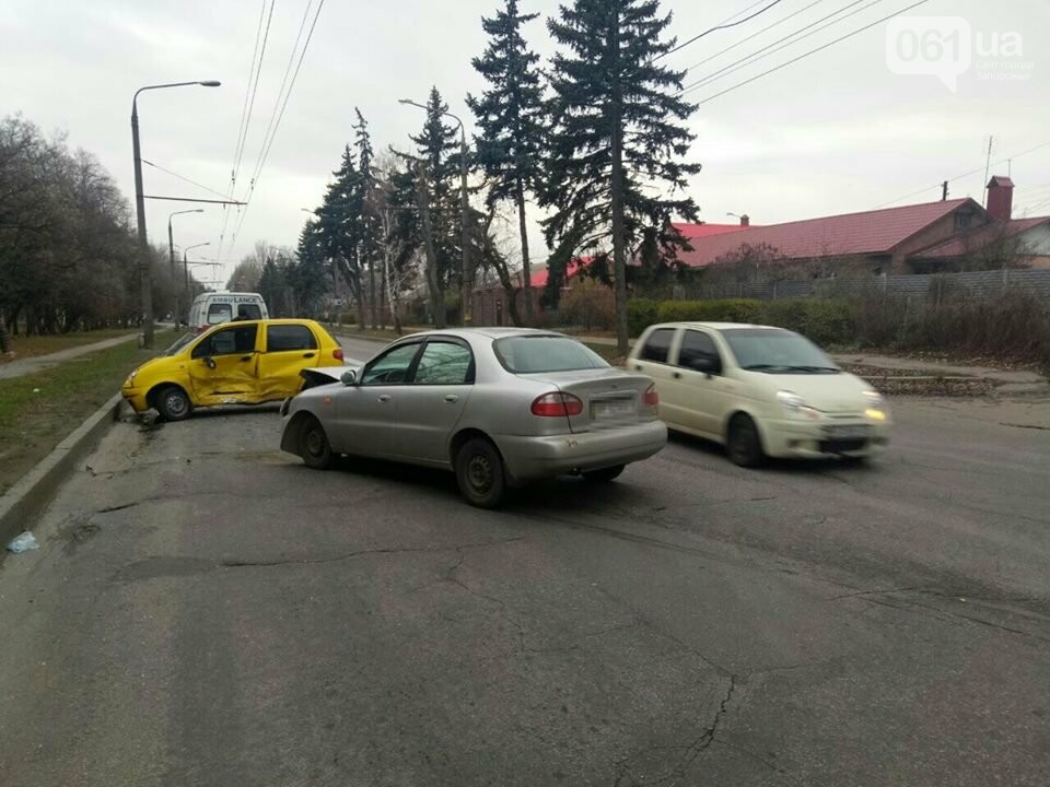 "В Запорожье столкнулись два ""Daewoo"", - ФОТО, фото-4"