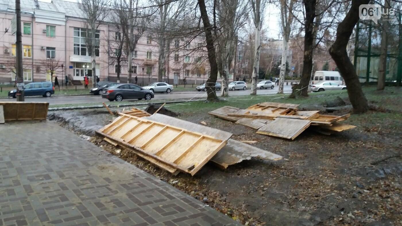 После скандала в СМИ подрядчики восстановили разрушенный бетономешалкой плиточный тротуар, — ФОТОРЕПОРТАЖ, фото-9