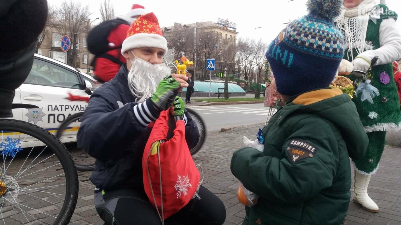 «Дед Мороз рулит!»: запорожские велосипедисты устроили новогодний велопробег, – ФОТОРЕПОРТАЖ, фото-7