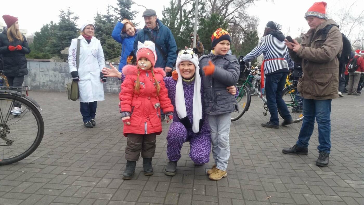 «Дед Мороз рулит!»: запорожские велосипедисты устроили новогодний велопробег, – ФОТОРЕПОРТАЖ, фото-6
