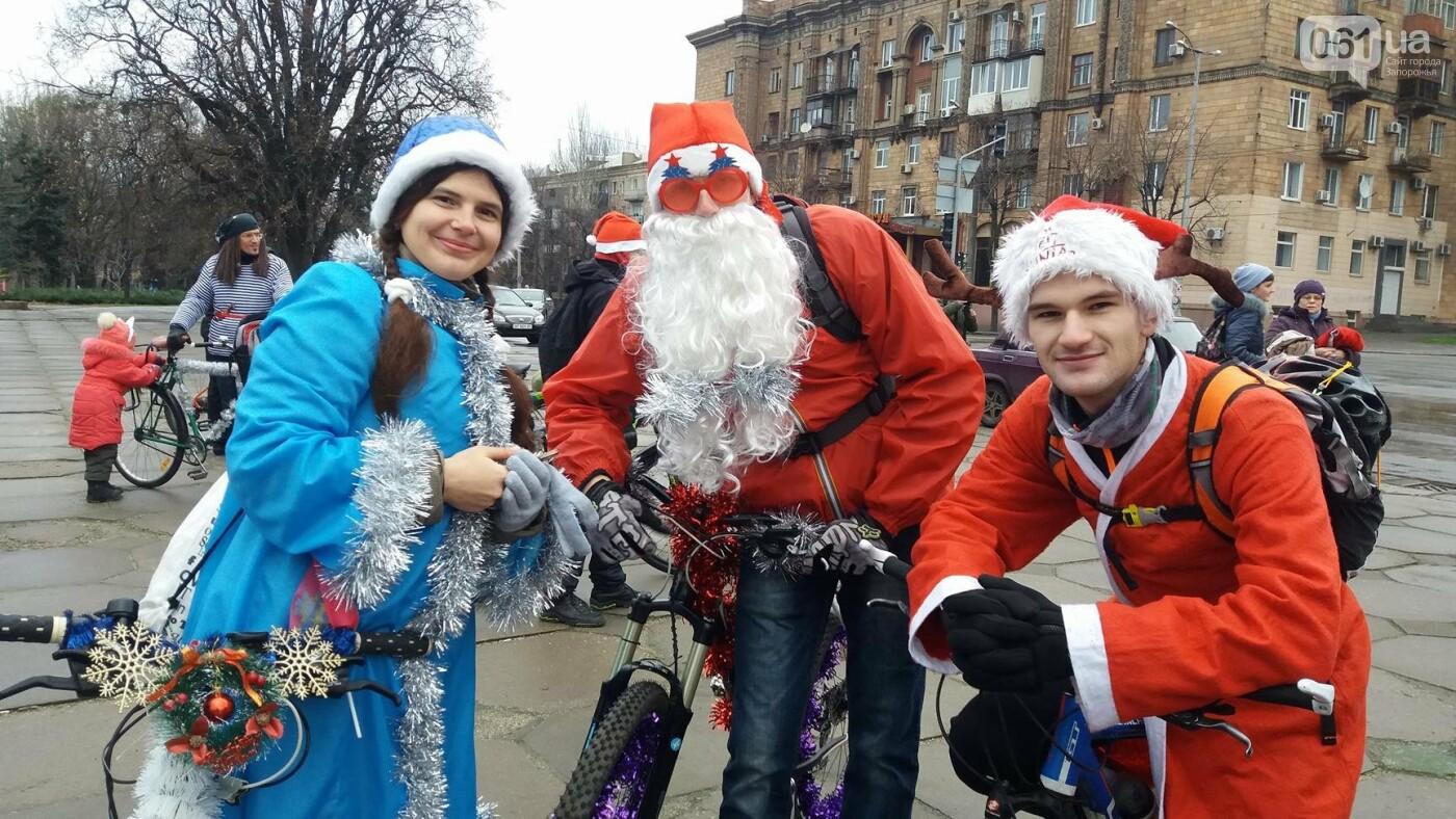 «Дед Мороз рулит!»: запорожские велосипедисты устроили новогодний велопробег, – ФОТОРЕПОРТАЖ, фото-5