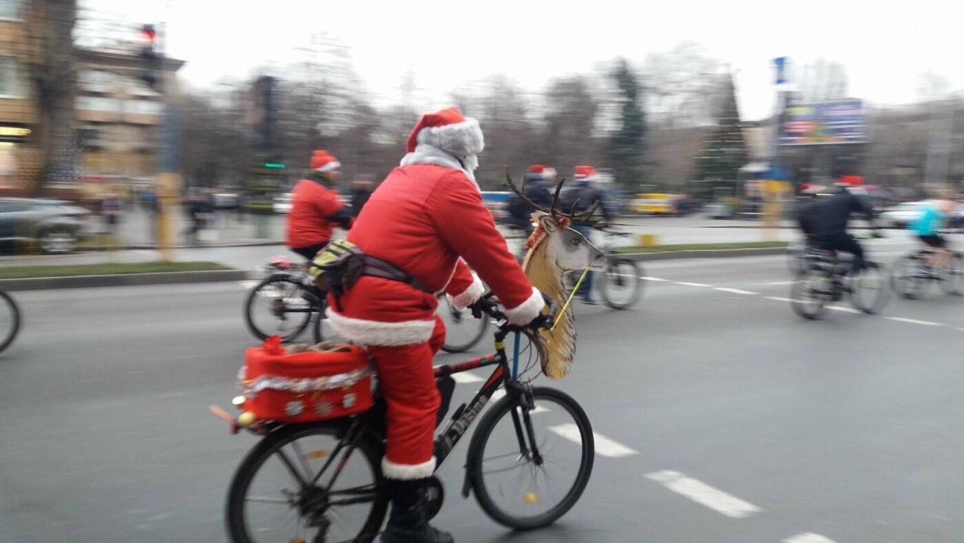 «Дед Мороз рулит!»: запорожские велосипедисты устроили новогодний велопробег, – ФОТОРЕПОРТАЖ, фото-10
