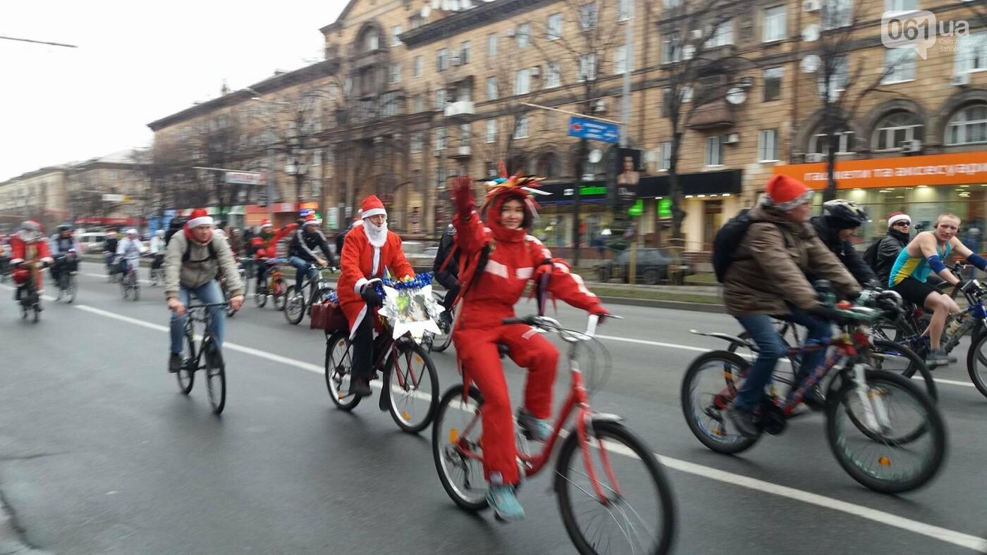 «Дед Мороз рулит!»: запорожские велосипедисты устроили новогодний велопробег, – ФОТОРЕПОРТАЖ, фото-11