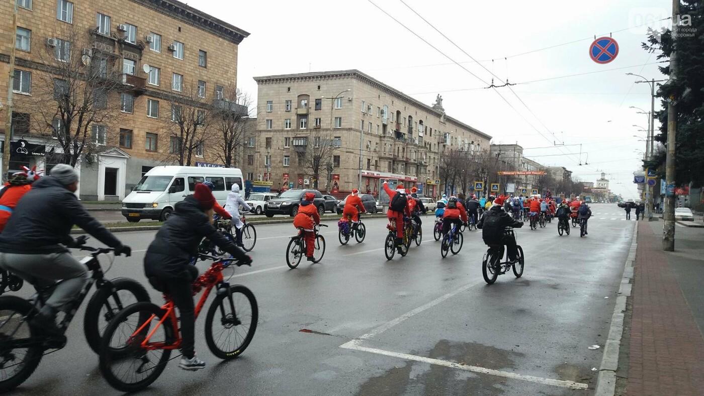 «Дед Мороз рулит!»: запорожские велосипедисты устроили новогодний велопробег, – ФОТОРЕПОРТАЖ, фото-9