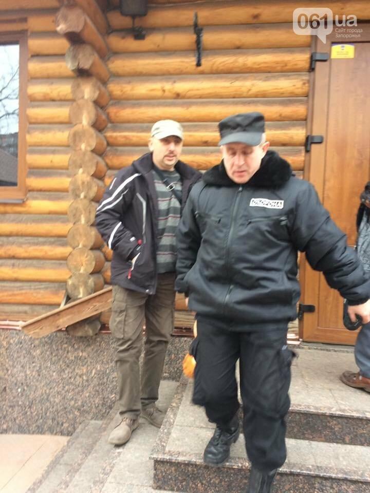 Возле запорожского храма побили АТОшника, который принес игрушку, - ФОТОФАКТ, фото-8
