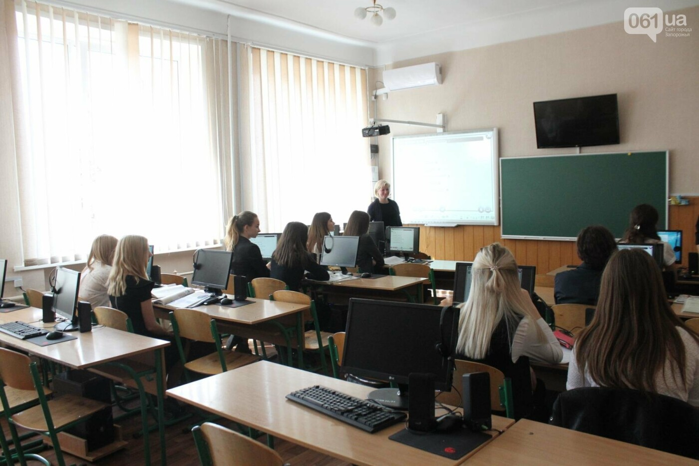 Одна из лучших школ Запорожья получила помощь от народного депутата Петра Сабашука: в гимназии №11 купили новую технику для нескольких каби..., фото-7