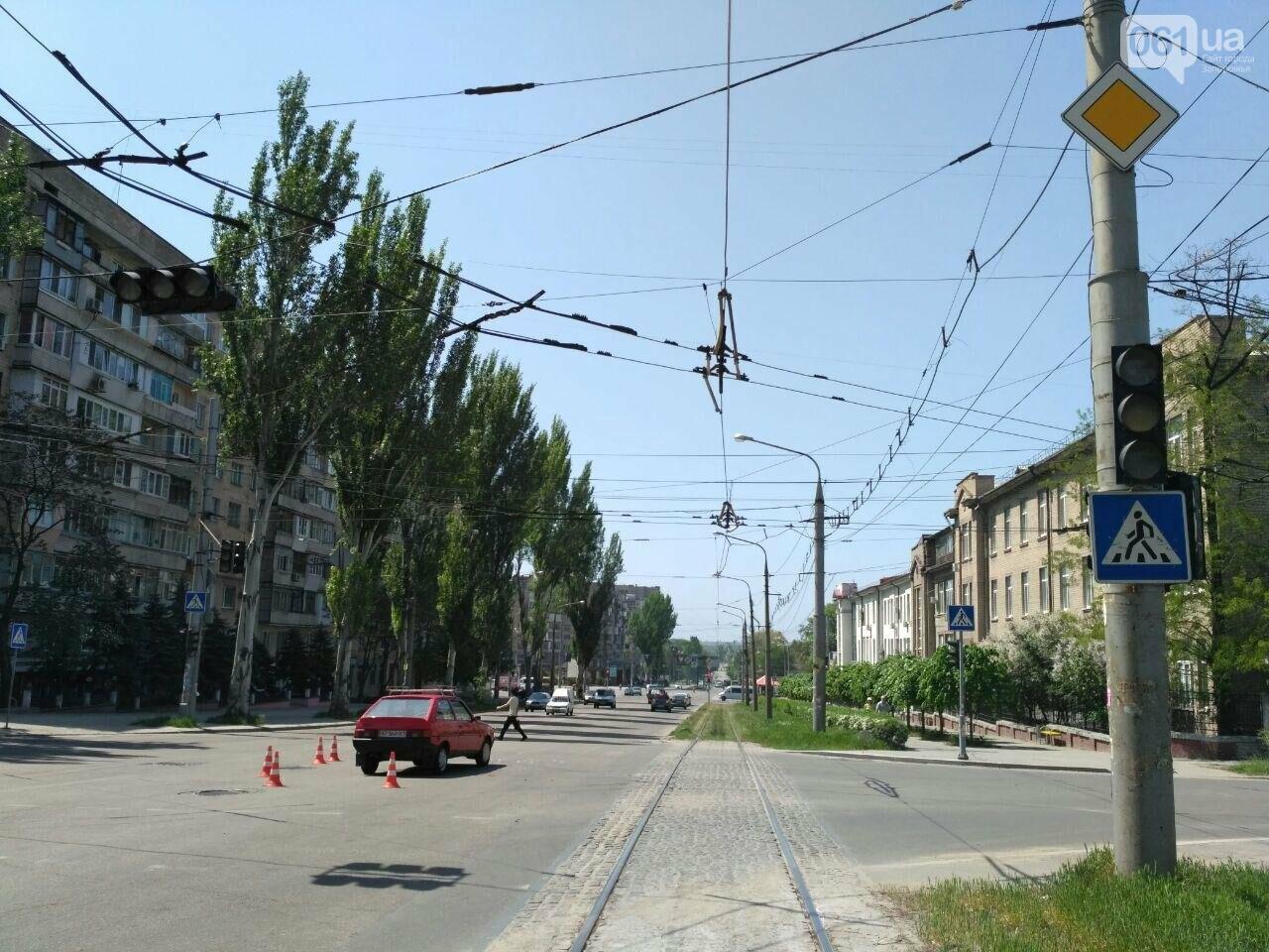 В центре Запорожья столкнулись ЗАЗ и TOYOTA, - ФОТО, фото-5