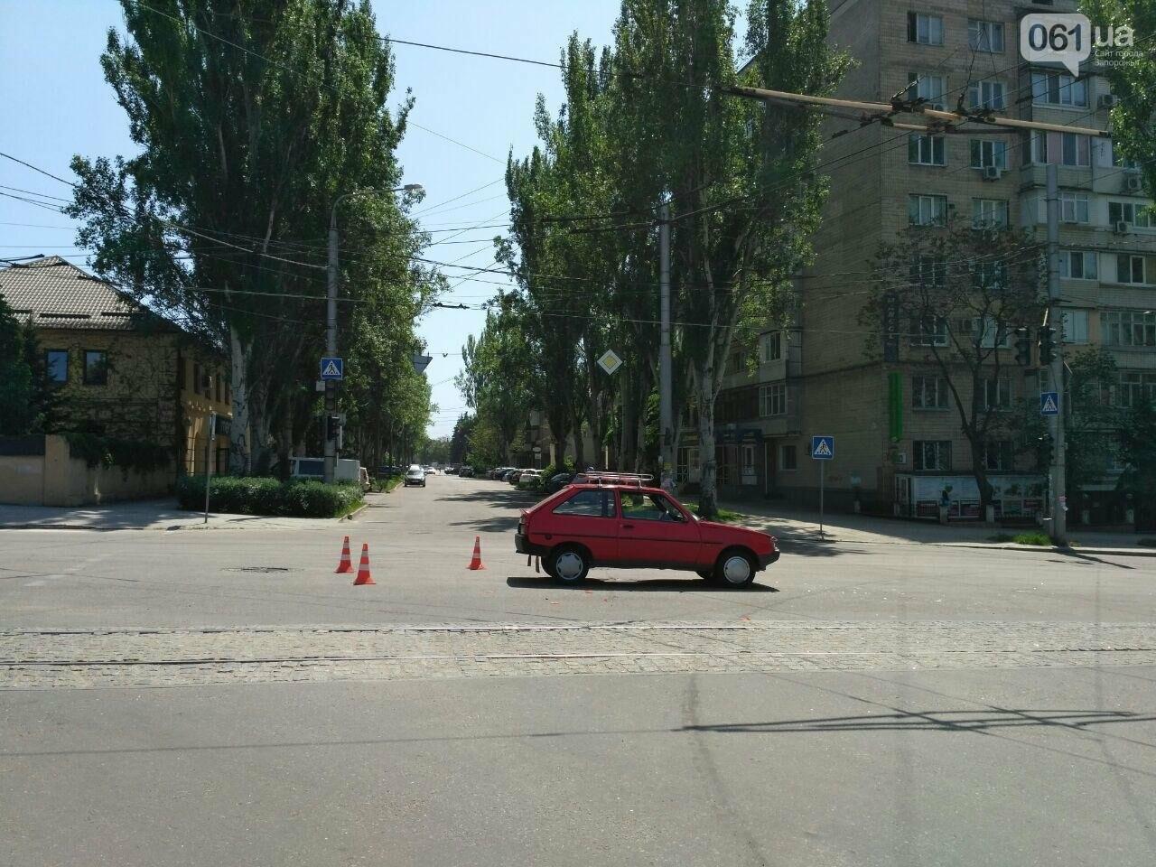 В центре Запорожья столкнулись ЗАЗ и TOYOTA, - ФОТО, фото-4