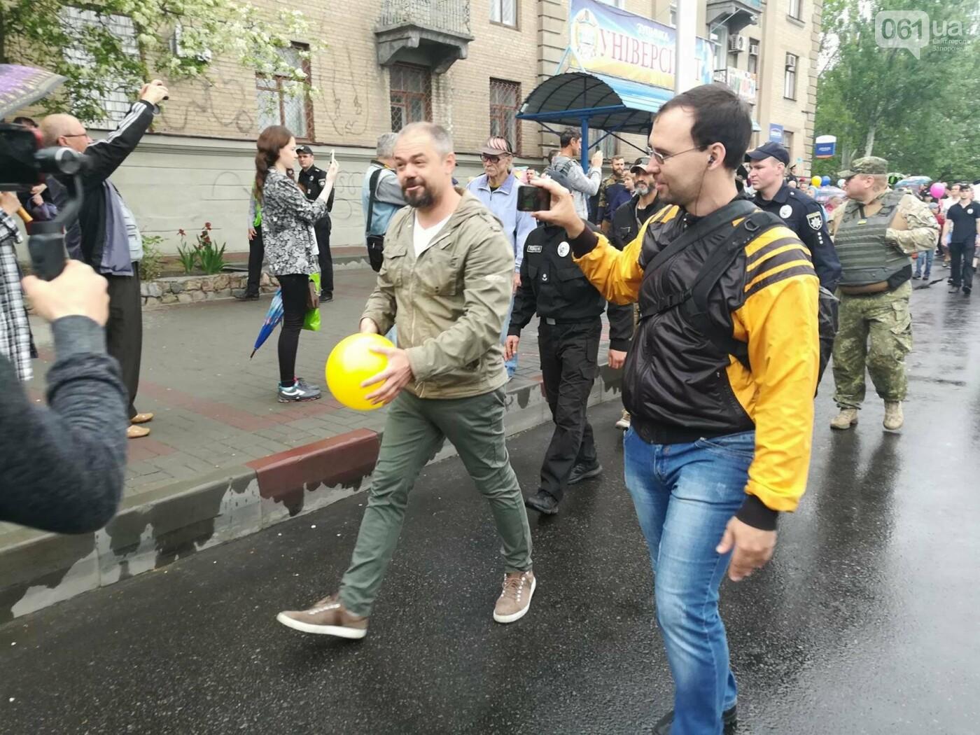 В Мелитополе митинг Балицкого закончился дракой - полиция просила снять георгиевские ленты, - ФОТО, ВИДЕО, фото-10