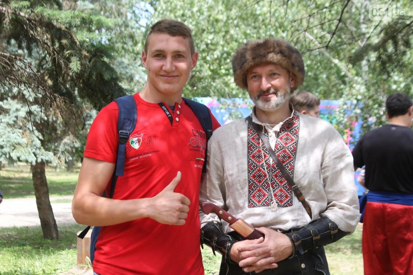 «Лава на лаву», борьба на поясах и ярмарка вышиванок: как в Запорожье прошли всеукраинские казацкие игры, – ФОТОРЕПОРТАЖ, фото-43