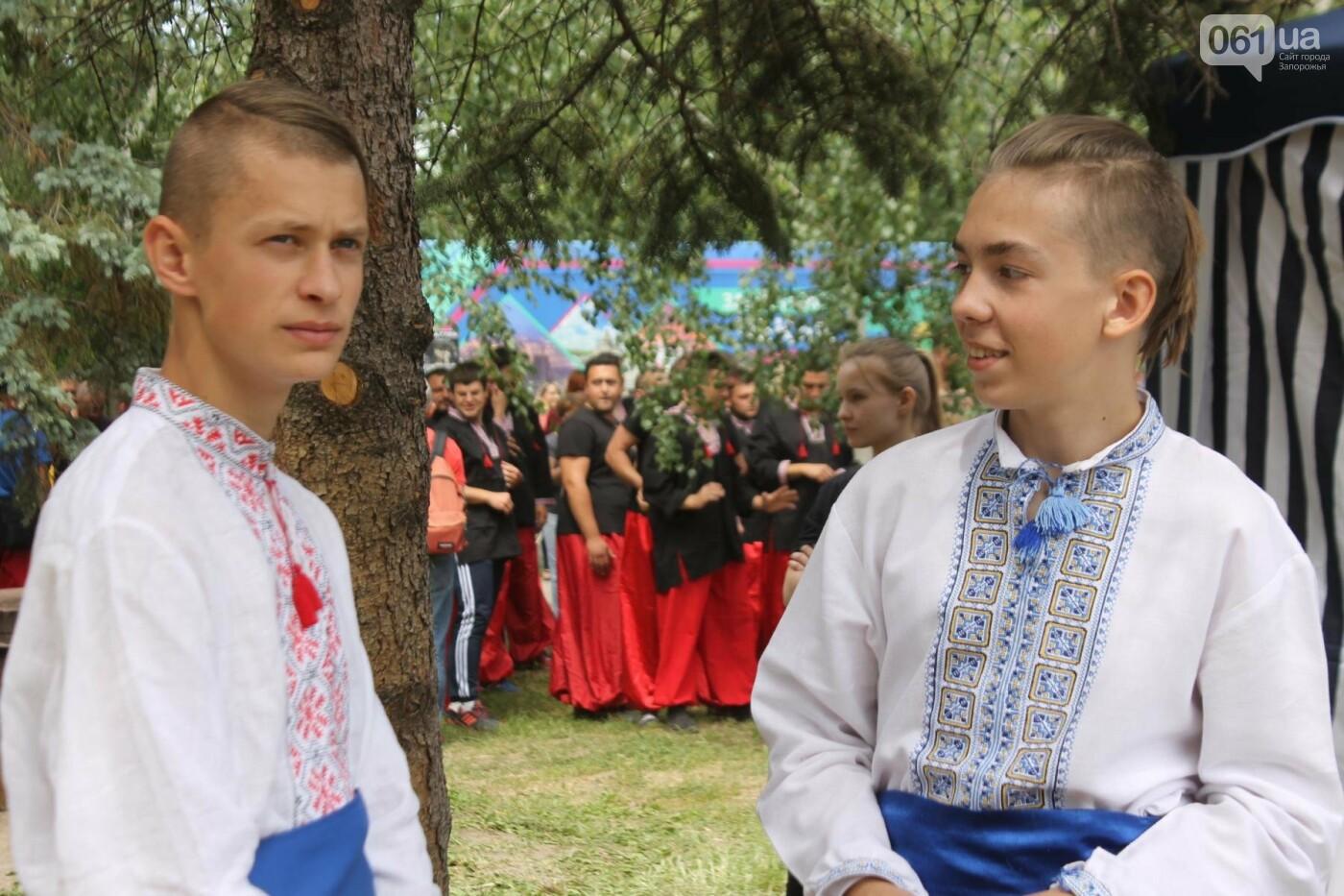 «Лава на лаву», борьба на поясах и ярмарка вышиванок: как в Запорожье прошли всеукраинские казацкие игры, – ФОТОРЕПОРТАЖ, фото-40