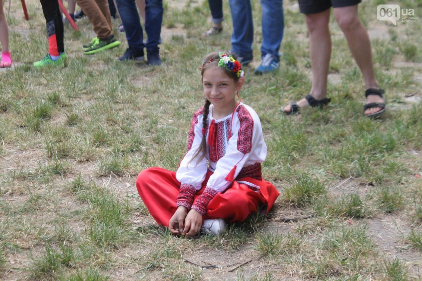 «Лава на лаву», борьба на поясах и ярмарка вышиванок: как в Запорожье прошли всеукраинские казацкие игры, – ФОТОРЕПОРТАЖ, фото-45