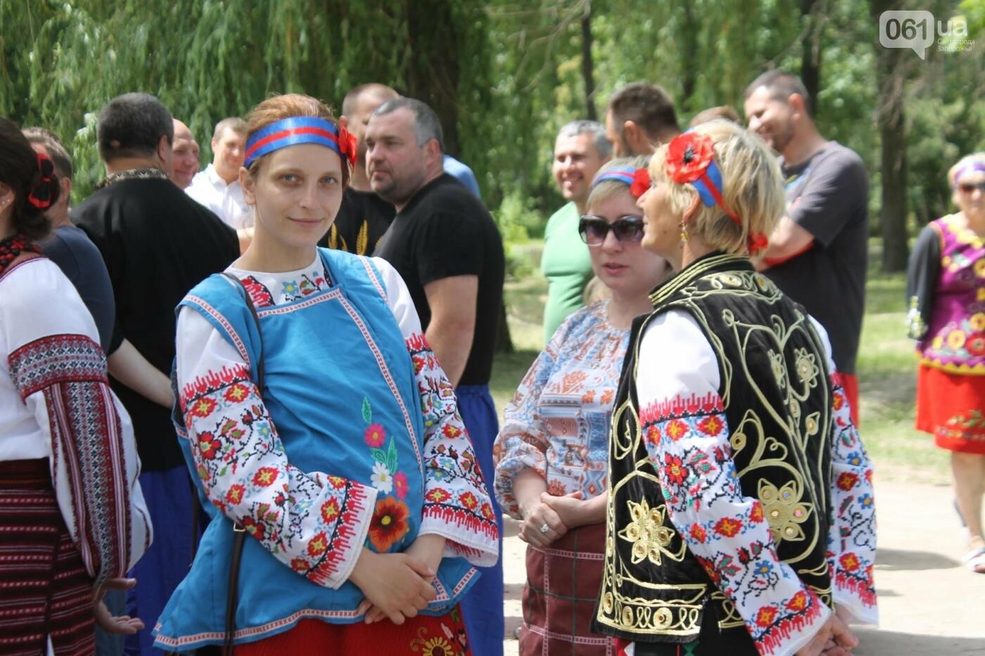 «Лава на лаву», борьба на поясах и ярмарка вышиванок: как в Запорожье прошли всеукраинские казацкие игры, – ФОТОРЕПОРТАЖ, фото-41