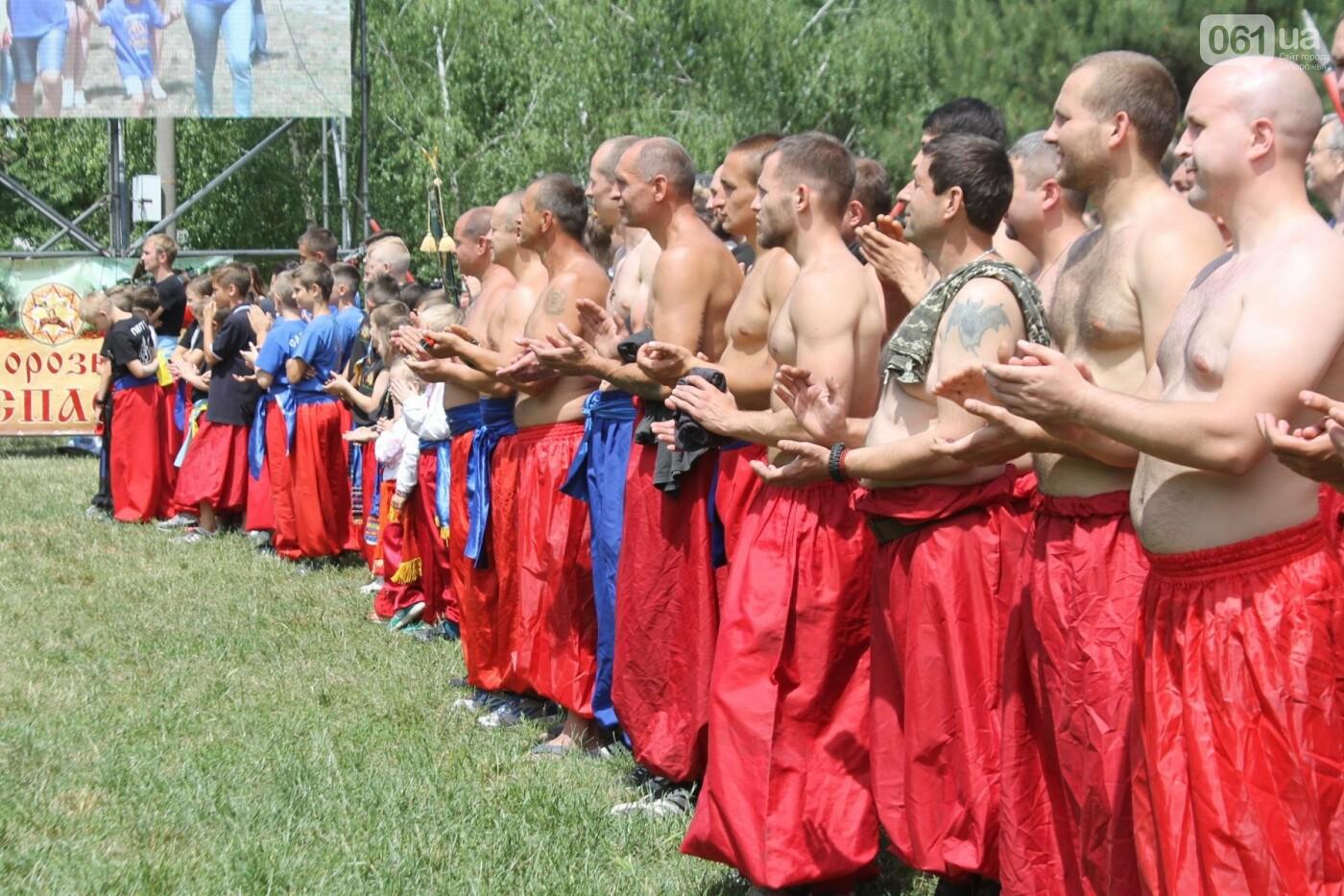 «Лава на лаву», борьба на поясах и ярмарка вышиванок: как в Запорожье прошли всеукраинские казацкие игры, – ФОТОРЕПОРТАЖ, фото-4