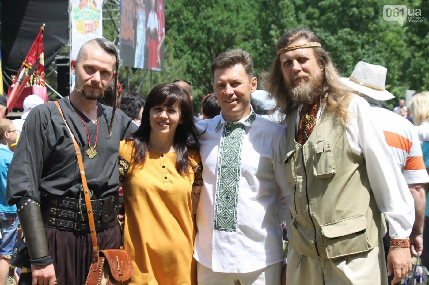 «Лава на лаву», борьба на поясах и ярмарка вышиванок: как в Запорожье прошли всеукраинские казацкие игры, – ФОТОРЕПОРТАЖ, фото-39