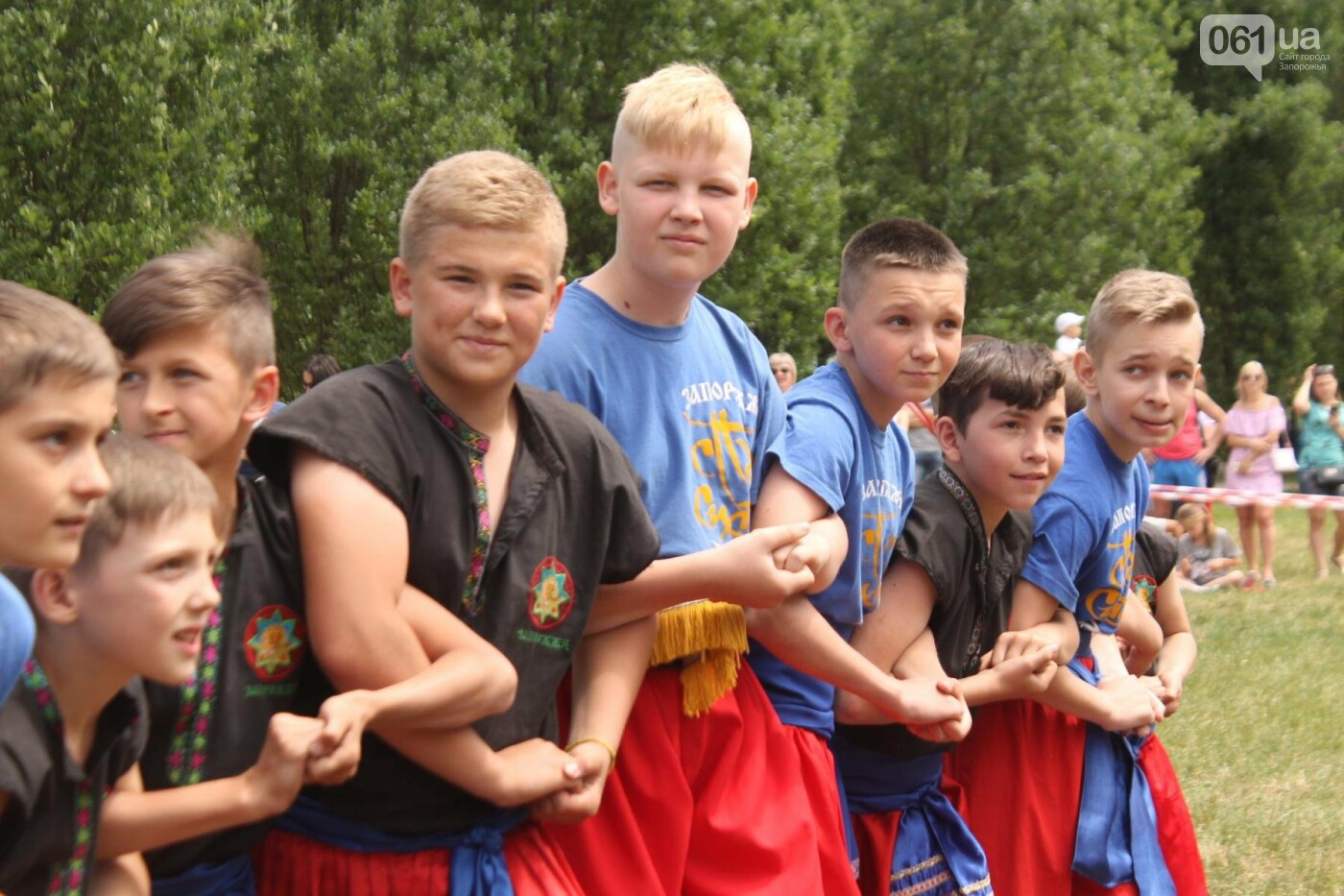 «Лава на лаву», борьба на поясах и ярмарка вышиванок: как в Запорожье прошли всеукраинские казацкие игры, – ФОТОРЕПОРТАЖ, фото-9