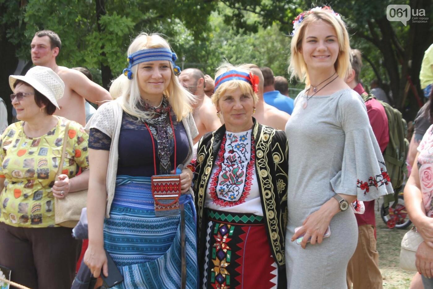 «Лава на лаву», борьба на поясах и ярмарка вышиванок: как в Запорожье прошли всеукраинские казацкие игры, – ФОТОРЕПОРТАЖ, фото-42