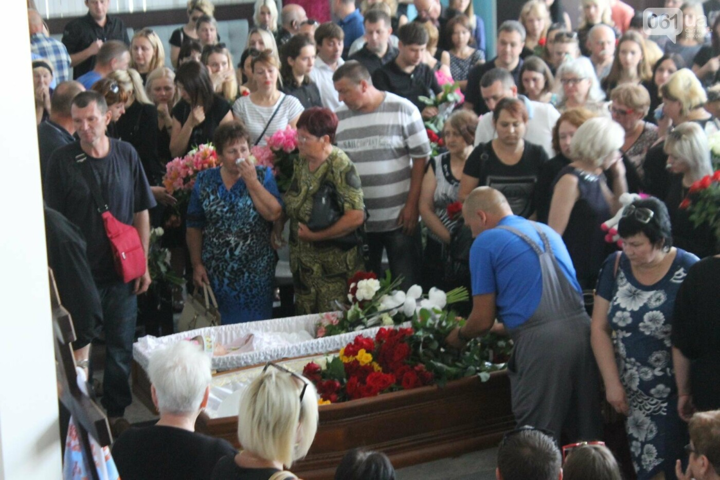 «В голове не укладывается, как такой светлый человек мог уйти»: в Запорожье попрощались с погибшими в громком ДТП на Набережной магистрали..., фото-10