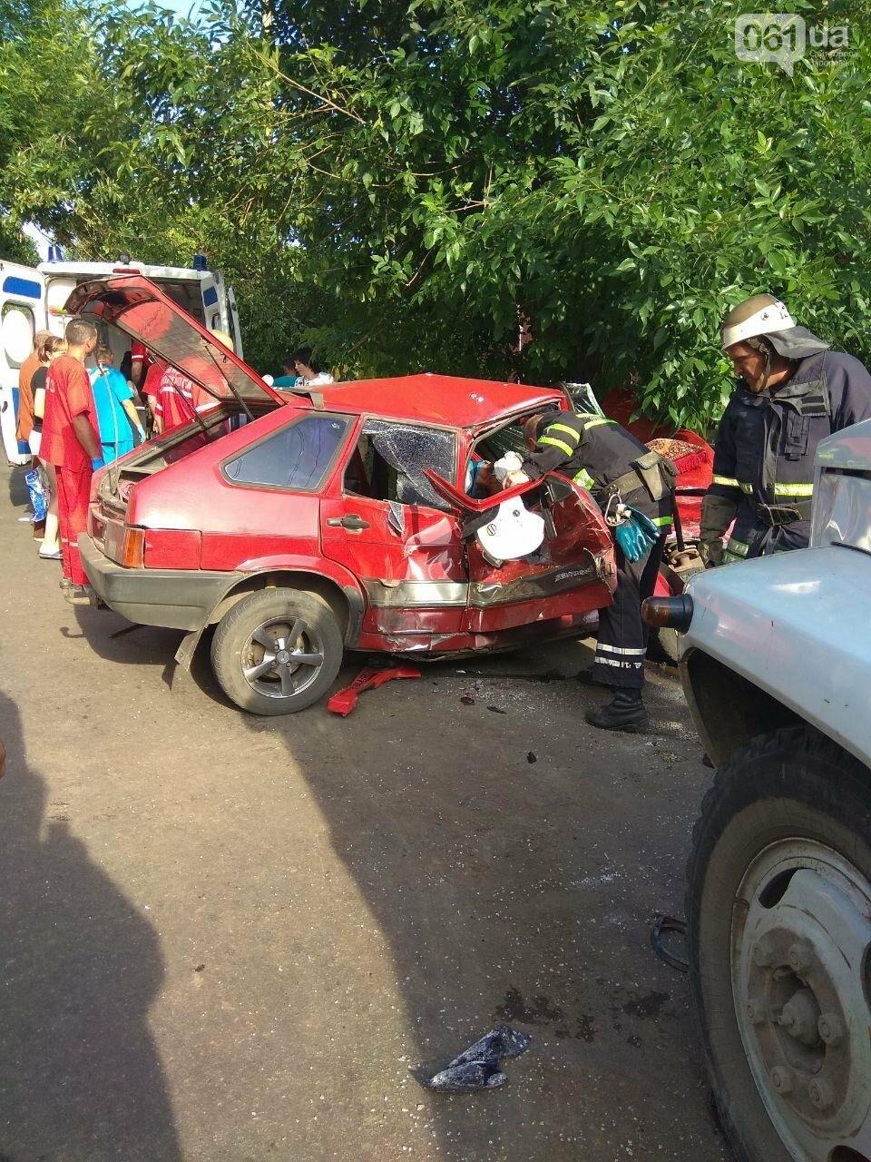 В Бердянске в ДТП пострадали дети - на месте происшествия работало 10 спасателей, - ФОТО, фото-3