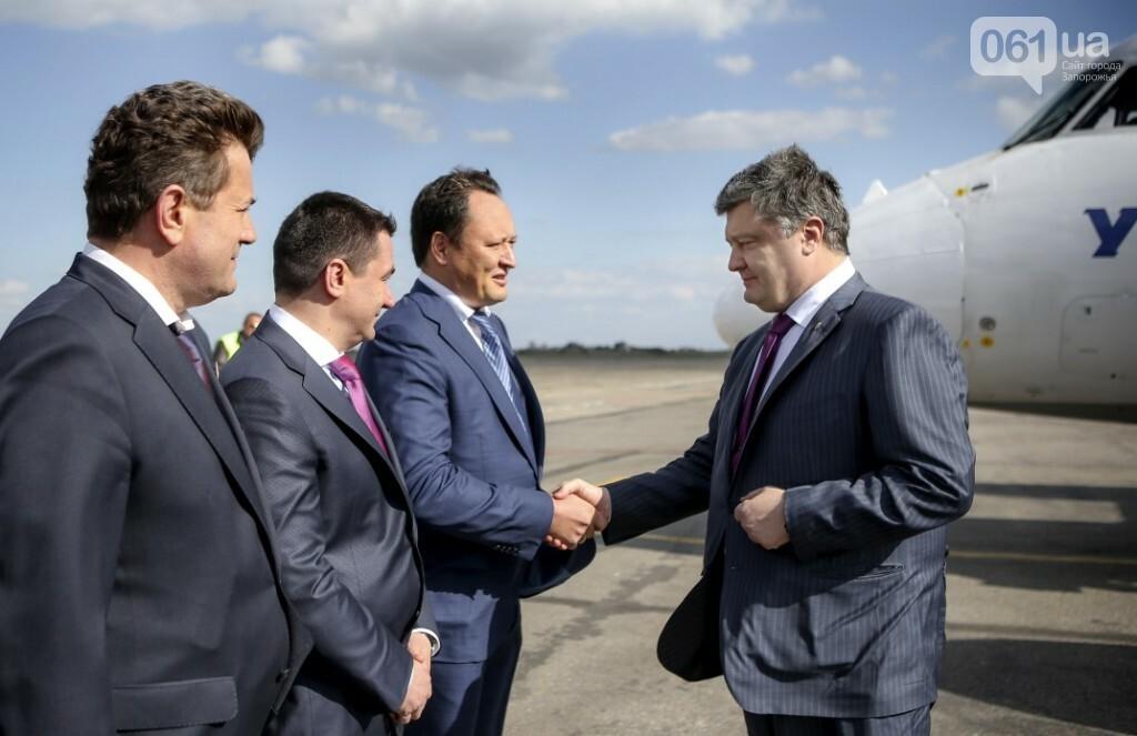 Едет-не едет: Как часто Порошенко приезжает в Запорожье и что о запорожцах пишут на сайте президента, фото-19