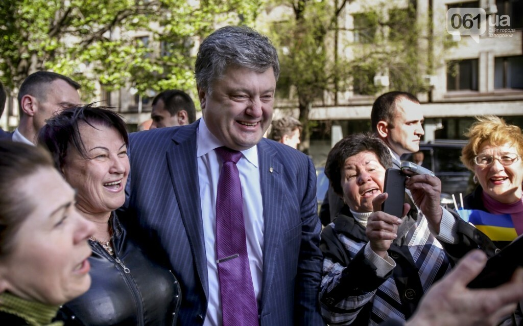 Едет-не едет: Как часто Порошенко приезжает в Запорожье и что о запорожцах пишут на сайте президента, фото-20