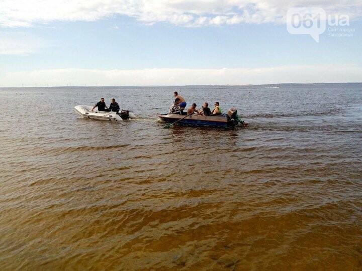 В Энергодаре на островах спасали мужчин: их лодка утонула, - ФОТО, фото-2