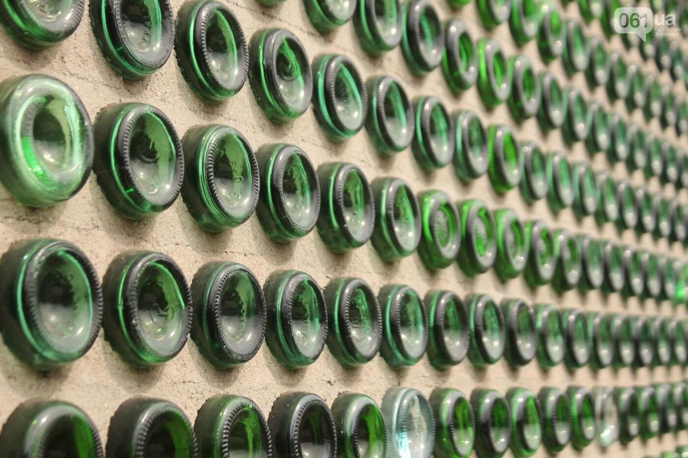 «Отцу предлагали продать дом за миллион. Он отказался»: история замка из бутылок шампанского, – ФОТОРЕПОРТАЖ, фото-6