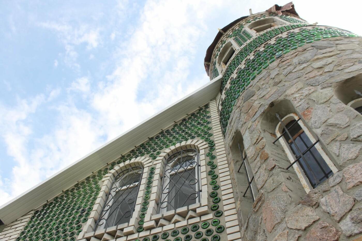 «Отцу предлагали продать дом за миллион. Он отказался»: история замка из бутылок шампанского, – ФОТОРЕПОРТАЖ, фото-16