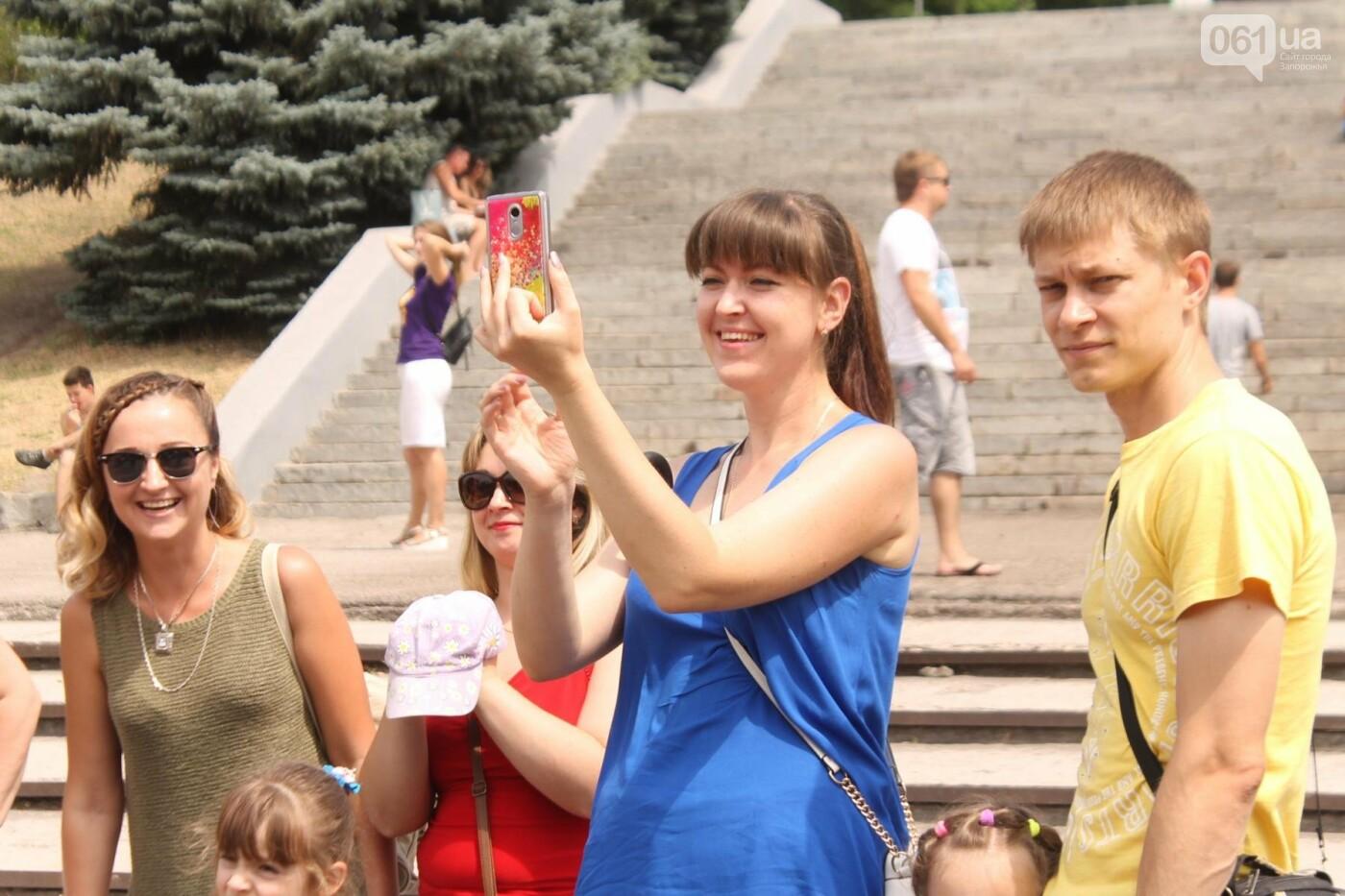 Фестиваль еды, концерты и развлечения: в Запорожье начался фестиваль ко Дню молодежи, – ФОТОРЕПОРТАЖ, фото-3