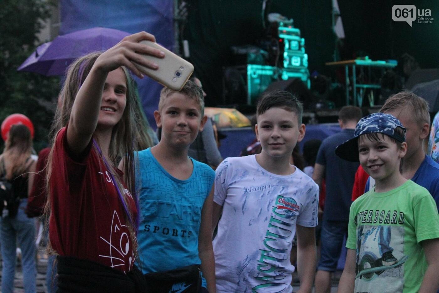 «Morphom» и «Constantine»: как в Запорожье прошел большой концерт ко Дню молодежи, – ФОТОРЕПОРТАЖ, фото-48