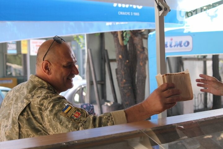 Фаст-фуд «Броник»: как трое запорожских ветеранов АТО открыли сэндвич-бар, – ФОТОРЕПОРТАЖ, фото-13