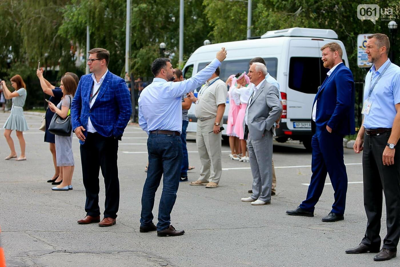 Торт, каравай и дождевая арка: открытие нового авиарейса Варшава-Запорожье в фотографиях, фото-7