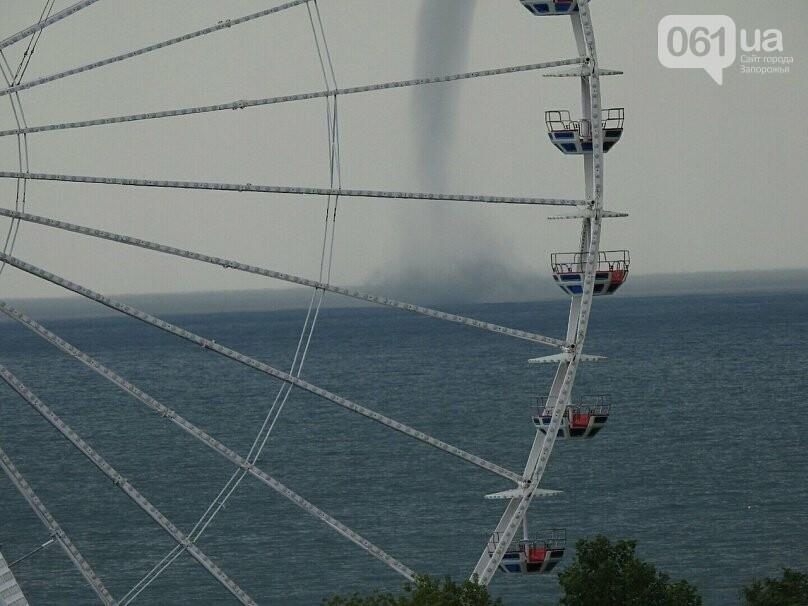В Азовском море около Бердянска зафиксировали смерч, - ФОТО, ВИДЕО , фото-1
