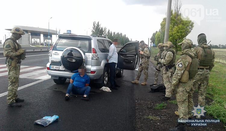 В Запорожье спецназ задержал вооруженных бандитов, которые похитили жителя Днепра, - ФОТО, фото-6