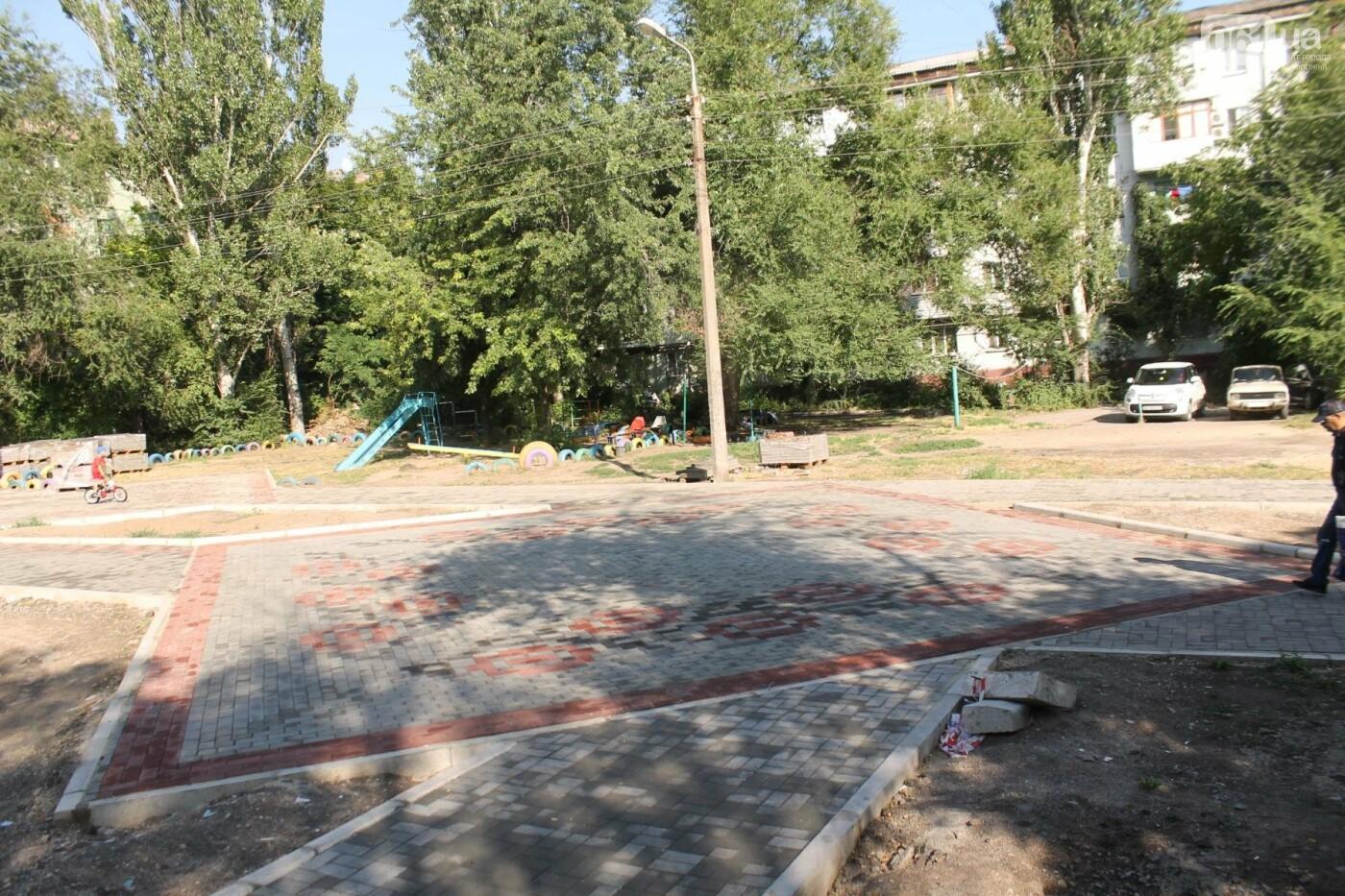 В Запорожье спешат до конца лета закончить реконструкцию аллеи на Якова Новицкого: на каком этапе работы, – ФОТОРЕПОРТАЖ, фото-14