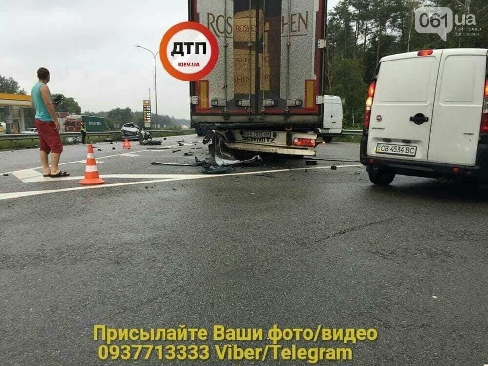Под Киевом в ДТП попала семья из Запорожья — два человека погибли, - ФОТО , фото-5