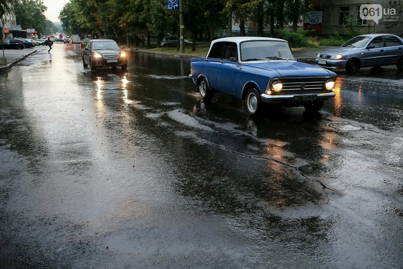 В Запорожье после ливней разрушены дороги: почему это произошло и за чей счет отремонтируют, - ФОТОРЕПОРТАЖ, фото-4