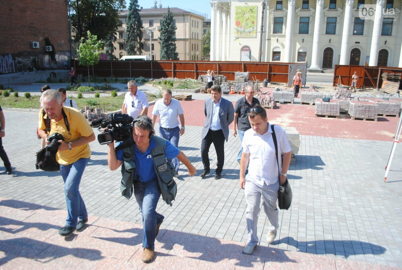 Сквер напротив театра Магара обещают открыть до Дня города, ранее обещали ко Дню Независимости — ФОТОРЕПОРТАЖ, фото-15